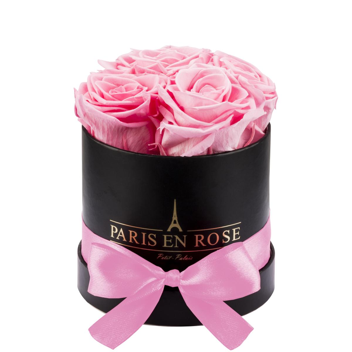 Rose bouquet Petit-Palais with preserved roses